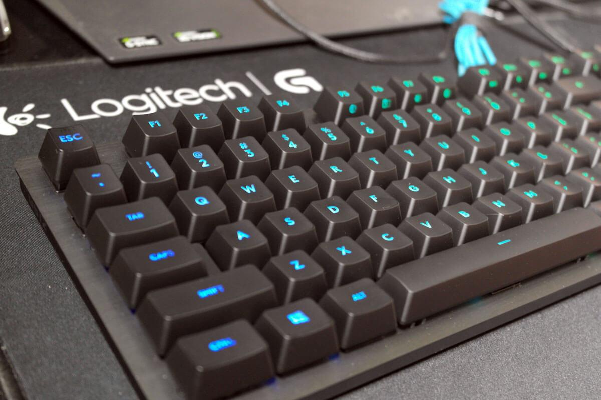 Logitech G512 Carbon Romer-G Tactile Mechanical Gaming