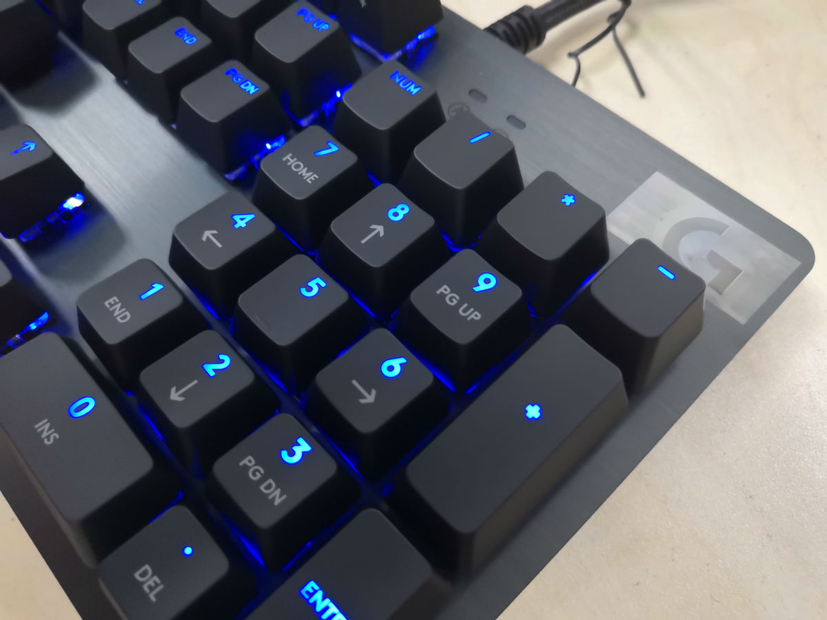 Logitech G512 Carbon GX Blue Switch Mechanical Gaming Keyboard Review